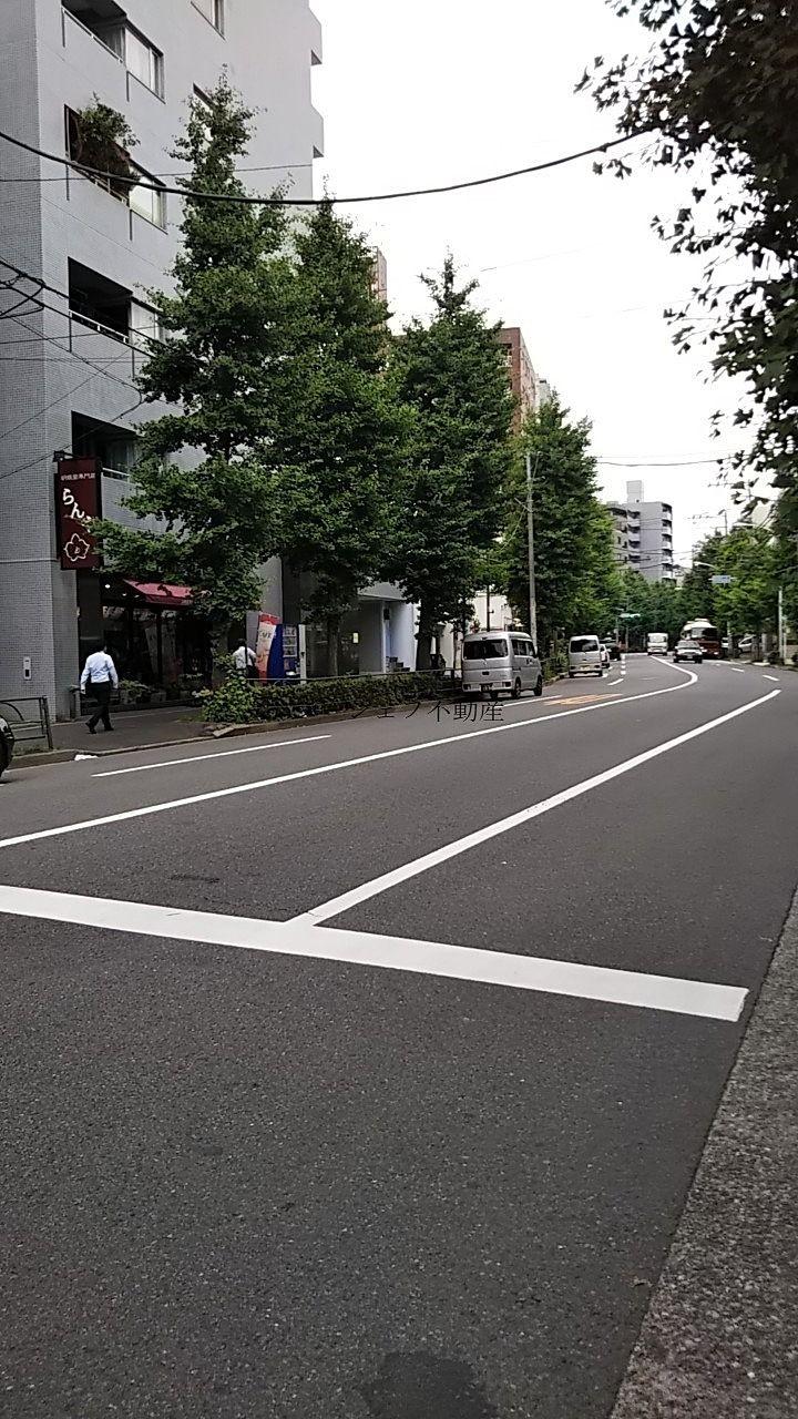目の前の白山通りです