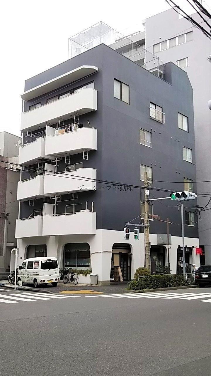 KDビル外観 千川通りに面す角地で視認性のいい建物です。