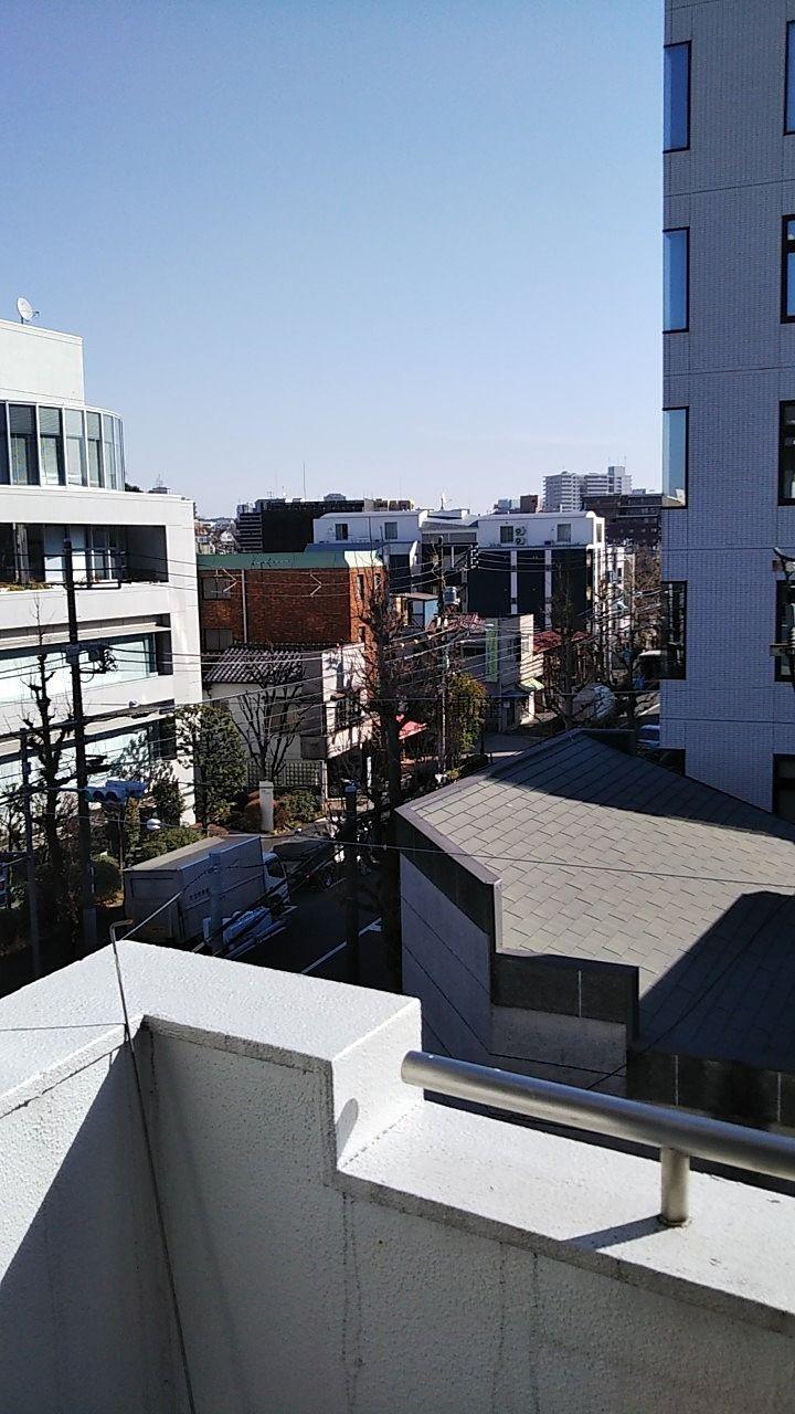 KDビル403号室 バルコニーからの景色・千川通りが見えます