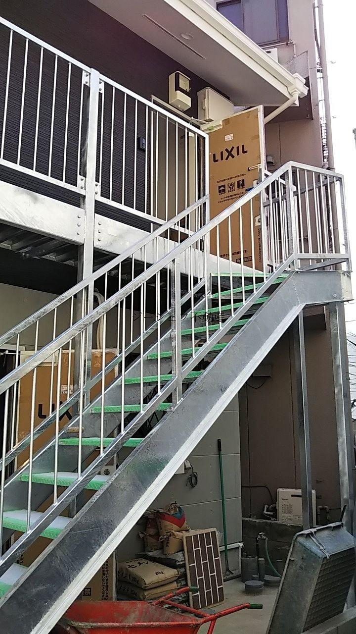 ホープ 2階への階段(現在建築中)