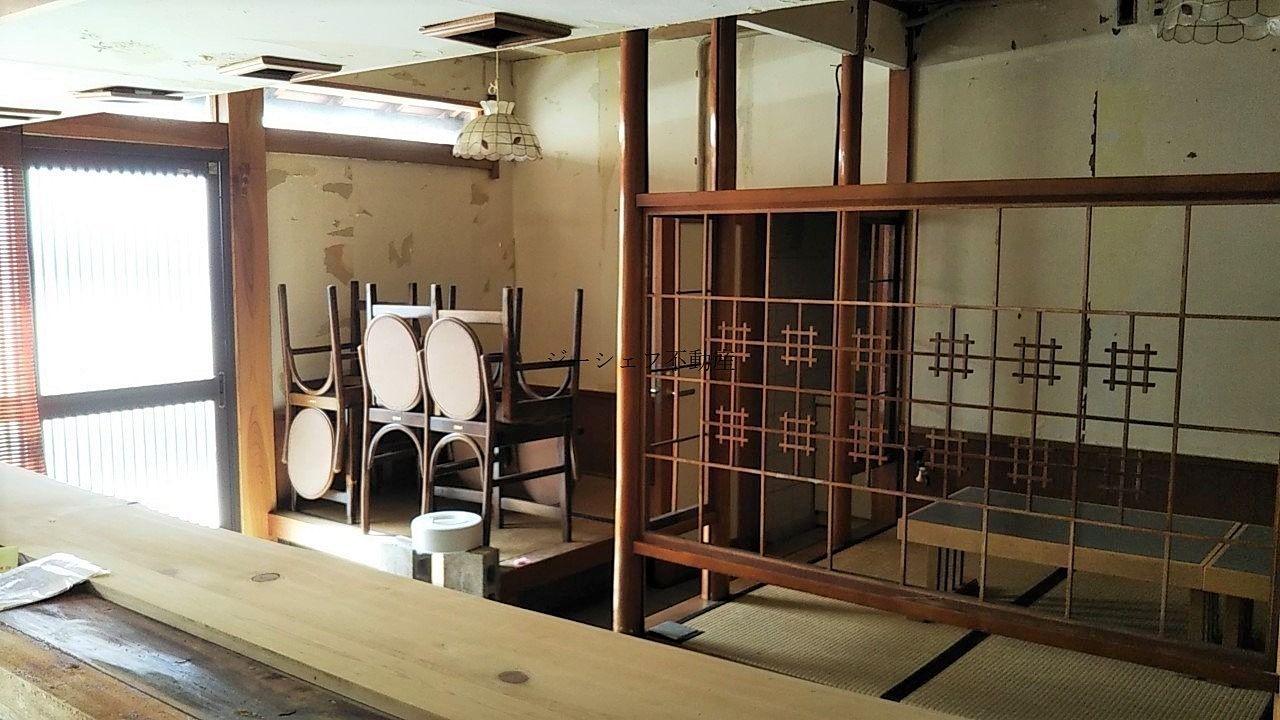 中央本町2丁目店舗の現況・小料理屋の内装(残置物)