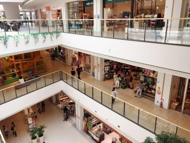 色々なショップのある商業施設ワクワクしますね