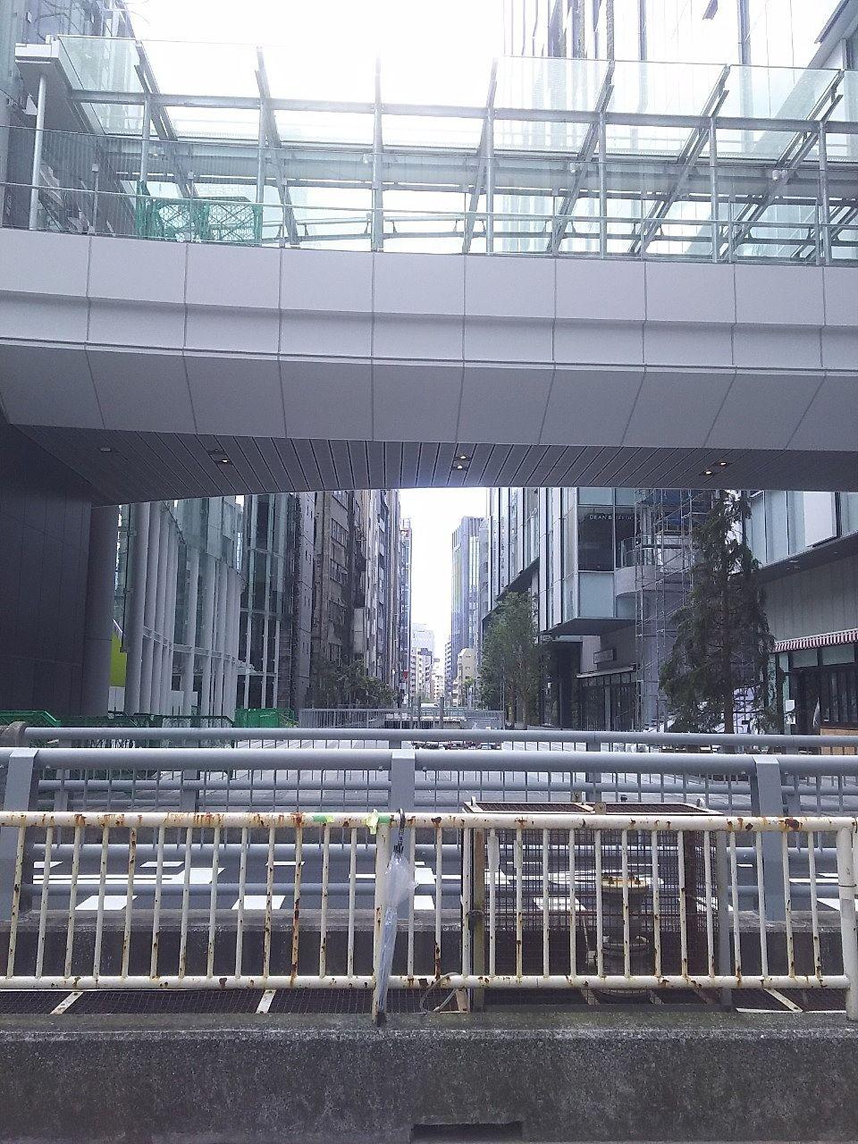 渋谷川上の橋から撮影